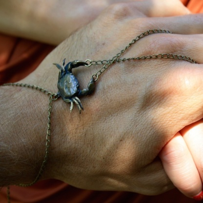 Crab Cancer Chain-linked Slave Bracelet